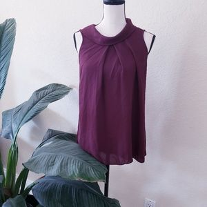 Vince Camuto Burgundy Sleeveless Blouse Buttons